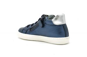 Sneaker in pelle laminata