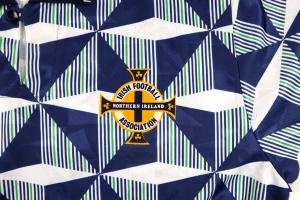 1990-92 Irlanda del Nord #9 Maglia Away L (Top)