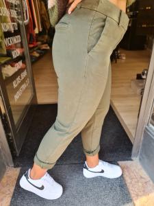 Pantalone chino verdone