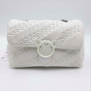 Borsa Love Classic Puff Soft Studs bianca Pinko