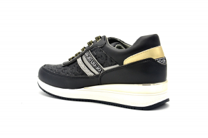 Connie 131 sneaker