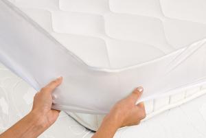 Imetec 16729 coperta/cuscino elettrico Riscaldaletto elettrico 300 W Bianco Tessuto