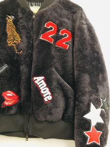 Bomber in montone| grigio antracite| con patch a contrasto| made in italy
