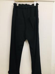 Pantalone donna| in felpa| nero| con tasca posteriore| modello baggy| made in italy