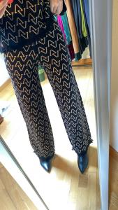 Pantalone in Maglia Vicolo con V rovesciate