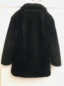Giaccone donna  in ecopelliccia  nero  chiusura con bottone  made in Italy