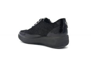 Rock 10 sneaker