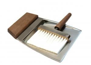 Raccolibriciole in acciaio inox con manico in legno