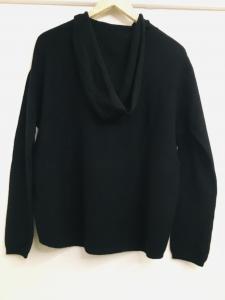 Maglioncino donna  nero  con cappuccio  manica lunga   morbidissimo  made in Italy