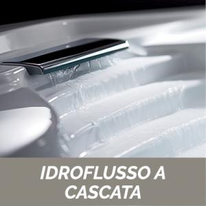 VASCA ANGOLARE CON IDROMASSAGGIO E PANNELLO MOD. CIPRO                 cm. 140 x 140